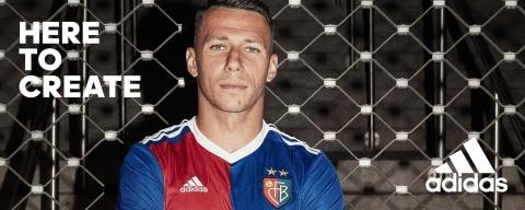 Here to Create FC Basel Captain Marek Suchy im Jubiläumstrikot von Adidas