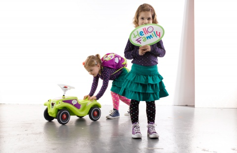 Ein Club, der auch den Kleinen Spass macht: Den Bobby Car im Hello Family Design gab es übrigens als Gratis-Prämie in Kooperation mit Pampers.