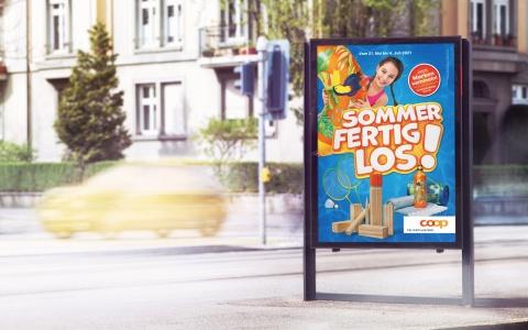 F4-Plakat der Coop Sammelpromotion 2021 «Sommer Fertig Los!»
