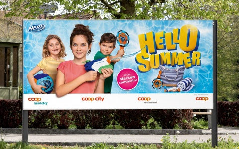 F12-Plakat der Hello Summer Promotion von Coop